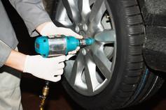 Räderwechsel Reifenwechsel Reifeneinlagerung Reifen Räder